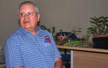 O Dr. Estanislau falou de uma espécie de que ocupa lugar especial no seu orquidário e no coração: a Cattleya walkeriana.